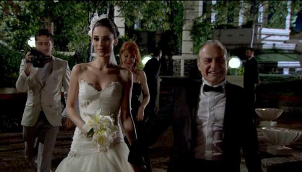 Ezel - serial turcesc difuzat pe  ATV  TR - Pagina 28 22_d