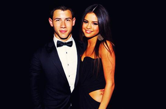 Nick Jonas Selena Gomez'e hayran!