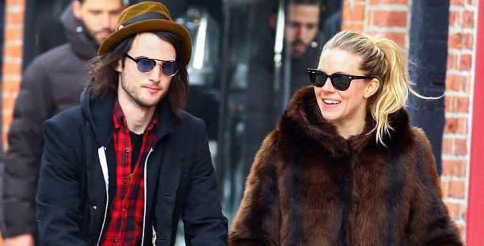 Sienna Miller ve Tom Sturridge ayrıldı!