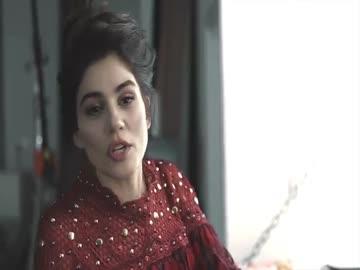 Ocak sayımızın konuğu sempatik oyuncu Zeynep Çamcı