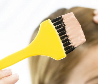 Hamilelikte saç boyatmak düşüğe neden olur''