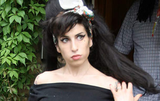 Amy Winehouse'un heykeli dikiliyor
