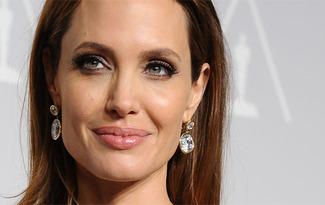Angelina Jolie'den ilgin� a��klama