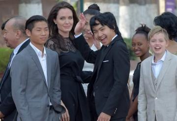 Angelina Jolie'den ilk boşanma açıklaması