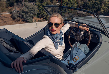 Kate Bosworth'dan Tory Burch Gemini Link için özel çekim