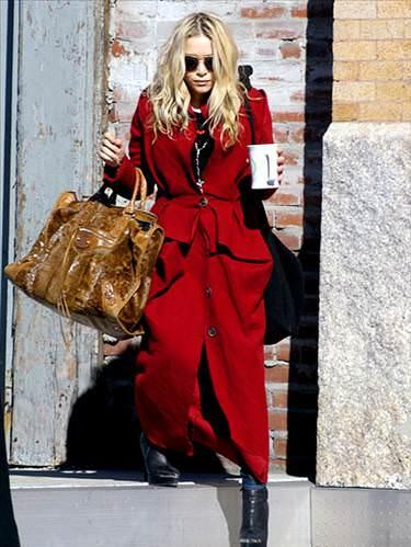 Mükemmel Kırmızı Palto