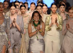 Tuvana Büyükç�nar'�n ilk Haute Couture koleksiyonu Kapal�çar��'da