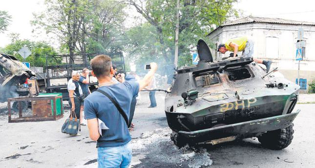 Ukrainian authorities claim gains in fight against separatists