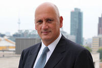 The chief executive of Turkcell, Turkey's largest mobile phone operator, Süreyya Ciliv has resigned from his post, the company announced on Wednesday.