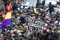 Over a hundred thousand people massed on Saturday in left-wing Podemos'