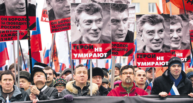 Thousands of Russians march in memory of Nemtsov