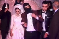 An Egyptian groom surprised his bride and wedding guests with a dance routine parodying the gruesome hostage-execution videos released recently by the self-proclaimed Islamic State of Iraq and...