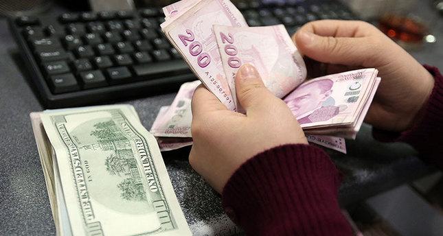 US dollar on fire, Turkish lira drops further