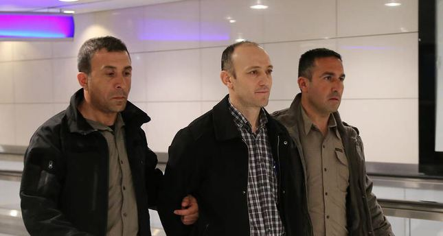 Gülenist fugitives arrive in Istanbul after extradition