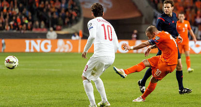 Wesley Sneijder grabbed an injury-time equalizer for the Netherlands to  draw 1-1 against Turkey on Saturday and keep alive its hope of qualifying for  next year's European...