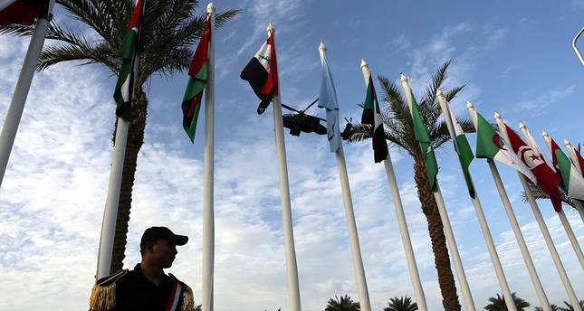 Arab leaders agree to form joint Arab military force