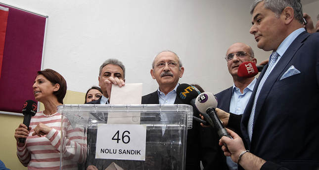 Turkey's main opposition CHP holds primaries