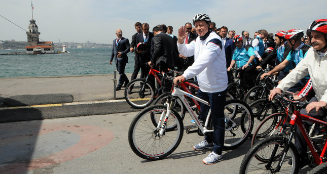 President Erdoğan promotes cycling for better health