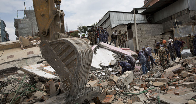 Magnitude 6.7 aftershock causes panic in Nepal