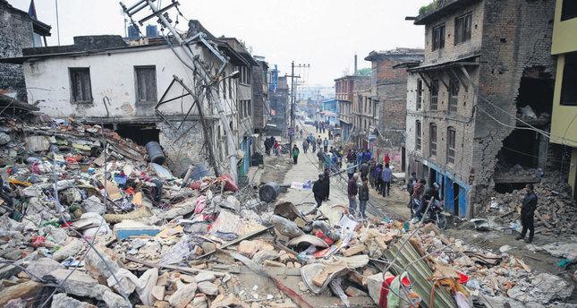 Nepal seeks help, death toll seen rising