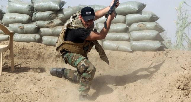Iraqi forces surround Ramadi on three sides