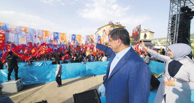 PM Davutoğlu says gov't faces past atrocities against Alevi community
