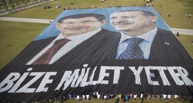Erdoğan-Davutoğlu poster breaks Guinness record