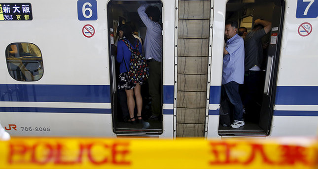 2 dead after 71-year-old man sets himself alight on train