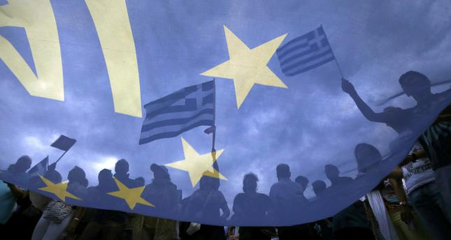 20,000 people in support of EU bailout rally in Athens