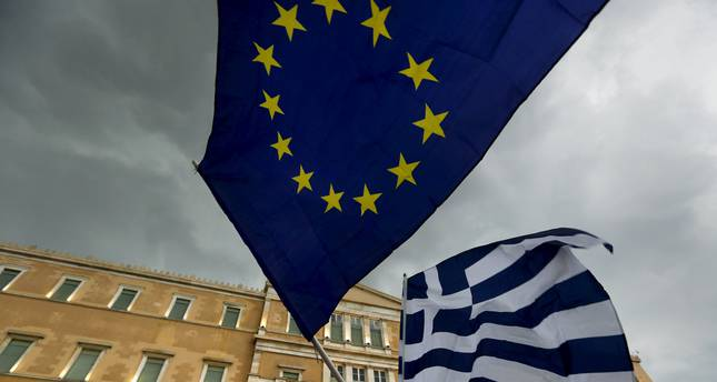 Fitch downgrades Greece rating deeper into junk