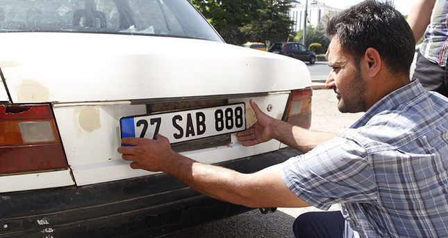 Syrian cars to get temporary Turkish license plates