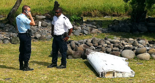 Possible MH370 plane debris found in Indian Ocean