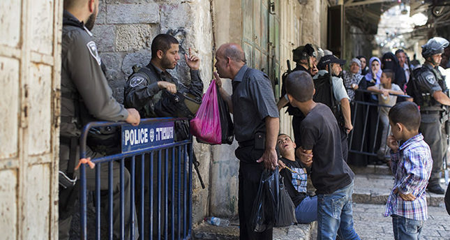 Israeli police close gates of al-Aqsa Mosque compound