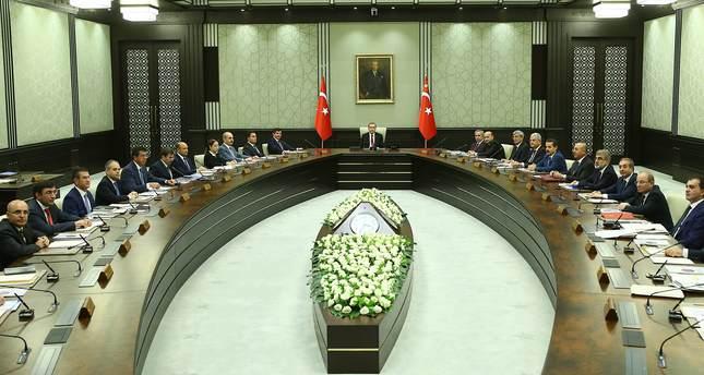 PM Davutoğlu unveils interim Cabinet