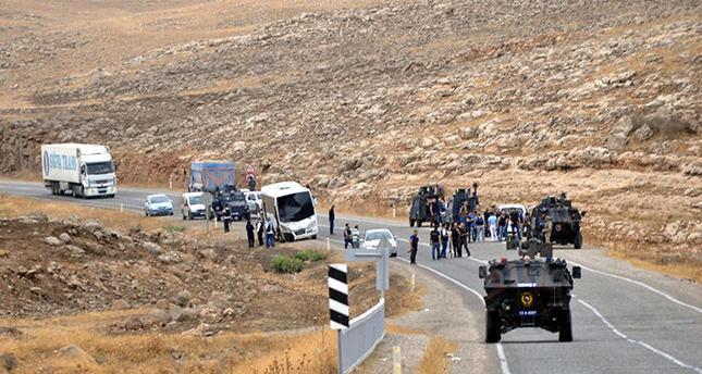 PKK terrorists attack police shuttle, injure five officers