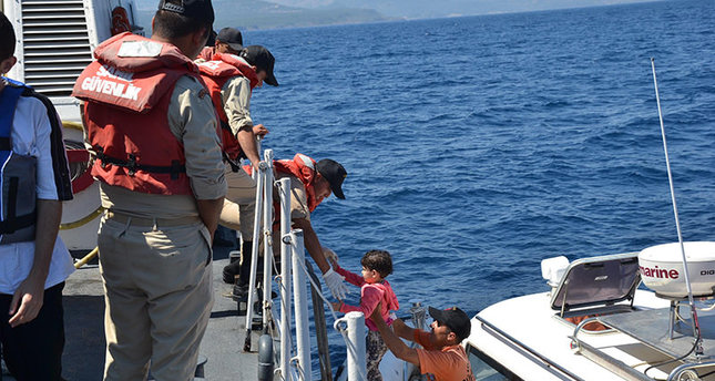 Turkish Coast Guard rescue 48 migrants off the Aegean