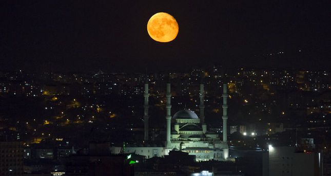 Rare Supermoon shines over the skies of Turkey