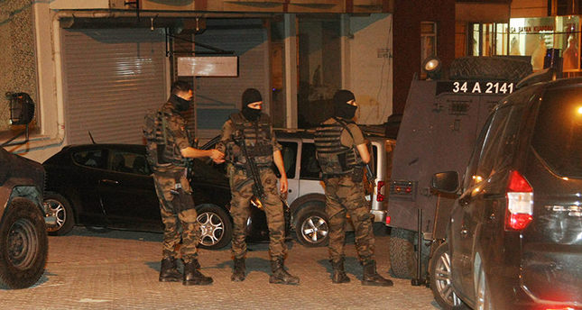 Police carry out anti-terrorism raids in Istanbul