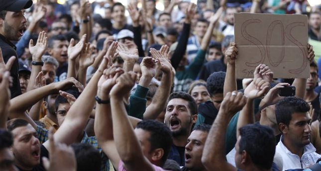 Migrants protest in Budapest, want to go to Germany