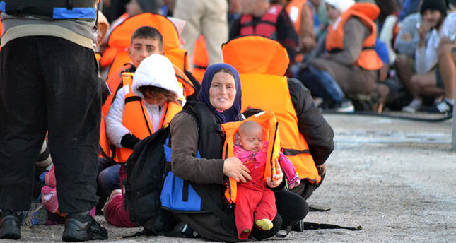 Turkish coast guards rescue 412 refugees off shores