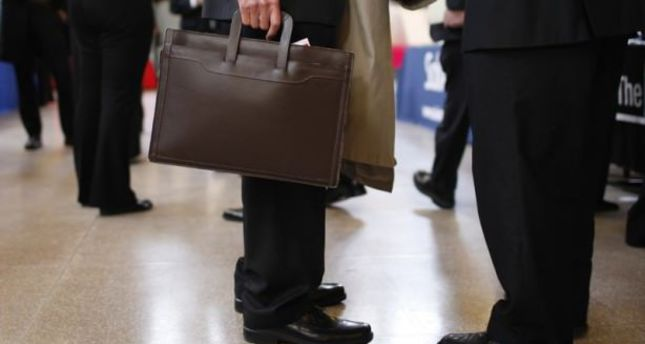 Unemployment benefit payments increase by 35 percent