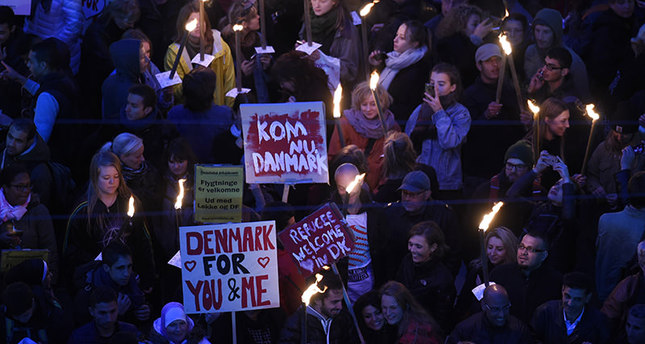 Danes demonstrate for 'decent treatment' of refugees