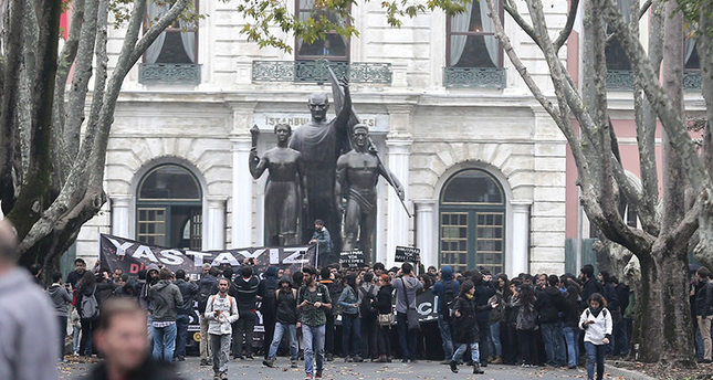 Thousands take to streets to condemn Ankara bombings