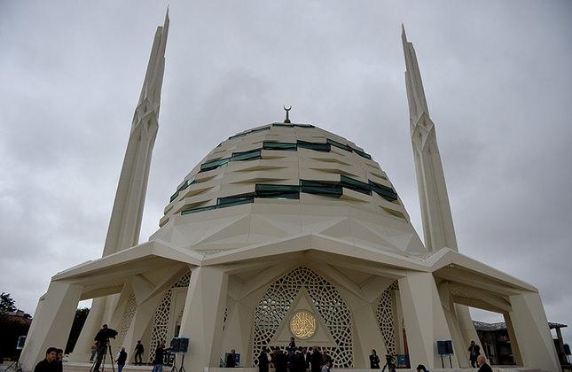 Президент Эрдоган открывает новую мечеть в Университете Мармара