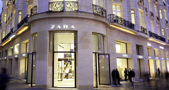 zara fires staff for denying muslim woman with headscarf enter store in paris daily sabah. Black Bedroom Furniture Sets. Home Design Ideas