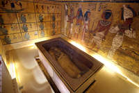 Scans of King Tutankhamun's tomb in Egypt's Valley of the Kings point to a secret chamber, archaeologists said Saturday, possibly heralding the discovery of Queen Nefertiti's long-sought...