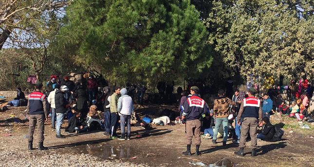 Turkish coast guard detain 752 Greece-bound refugees