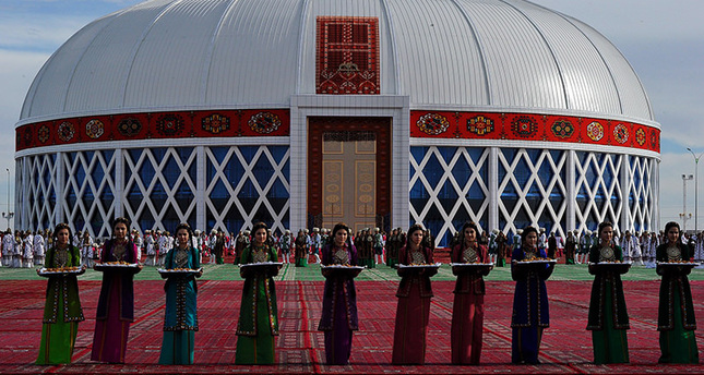 Turkmenistan president's song breaks new record