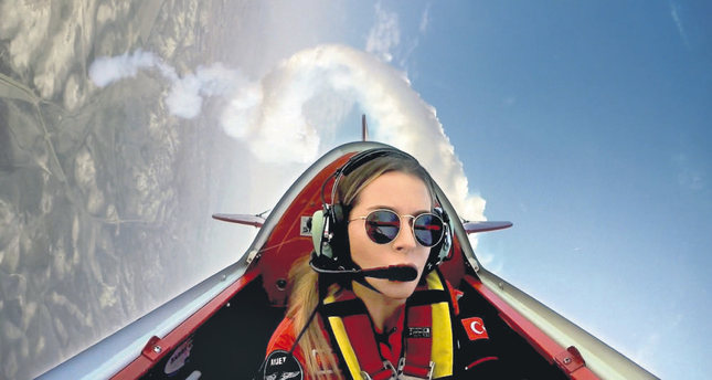 Meet Turkey's first professional female aerobatic pilot