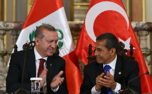 Turkish President Erdoğan (L) and Peruvian President Humala (R) held a joint conference in Lima during Erdoğans official visit to three Latin American countries.